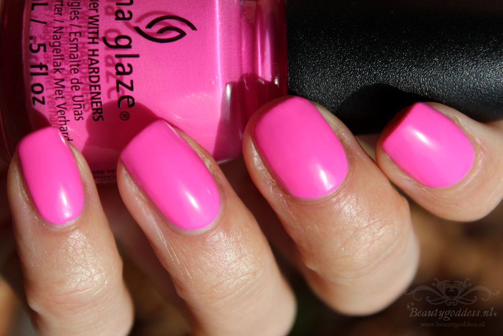 china_glaze_electric_nights_001