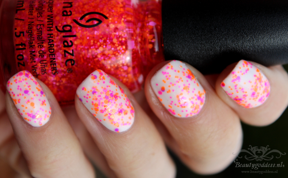 china_glaze_electric_nights_002
