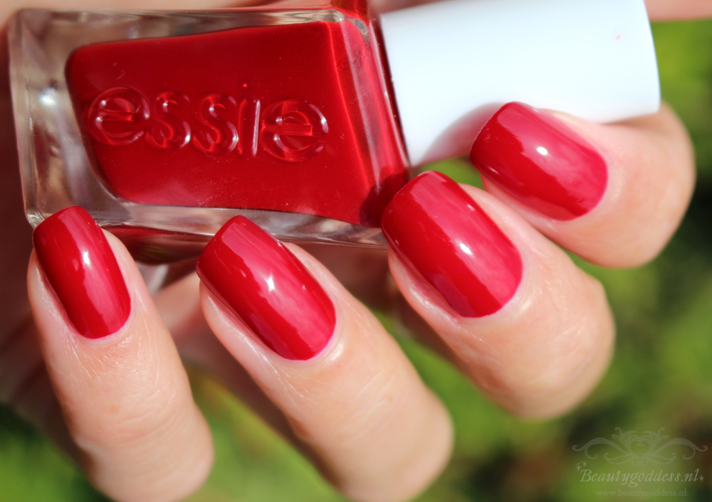 essie_gel_couture_bubbles-only