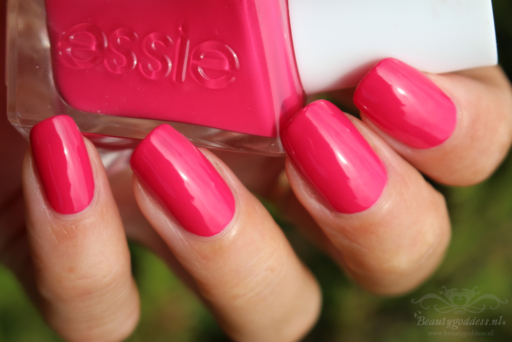 essie_gel_couture_the-it-factor