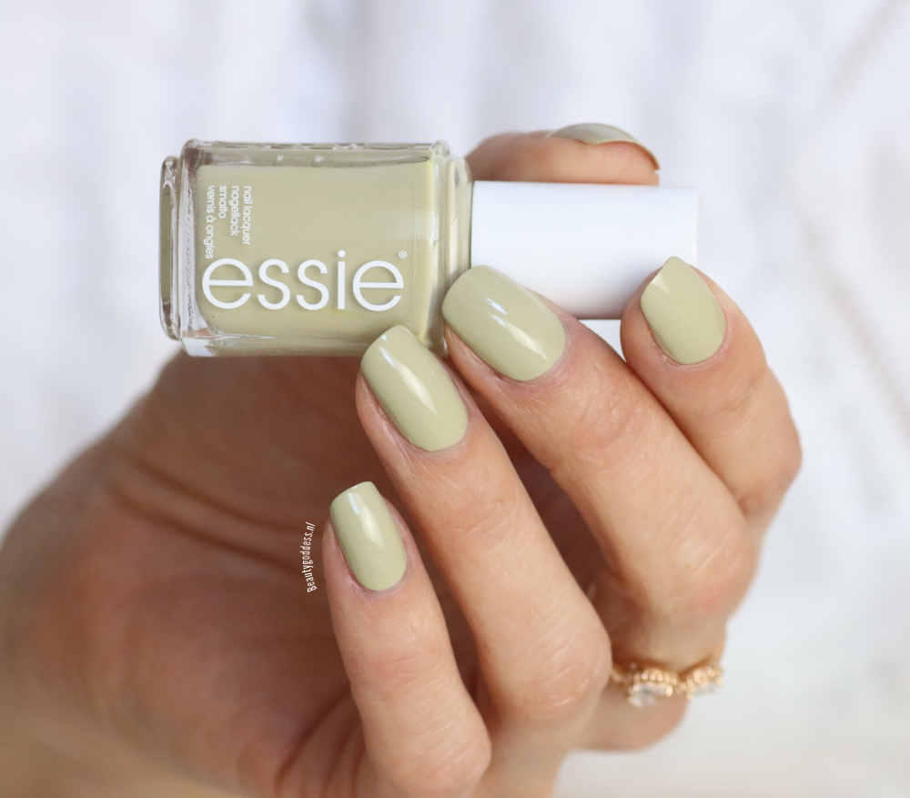 essie Cacti on the prize